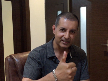 Patient From Canada Get Hair Transplant Surgery in India - Patient Testimonial